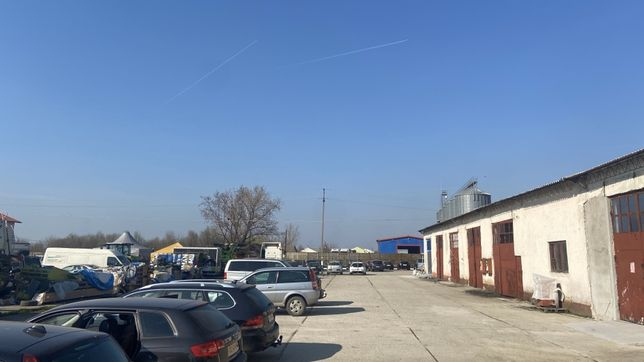 Inchiriez hala la iesire din Sacalaz drumul principal (garaje ) hala