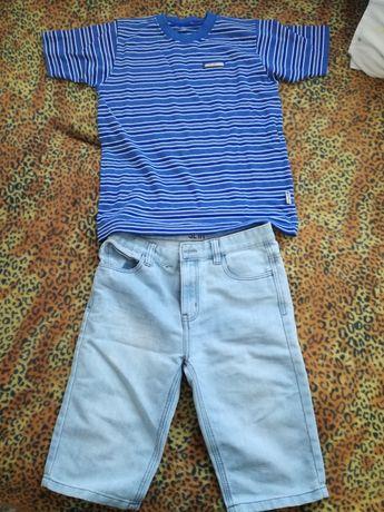 Къси дънки и тениска