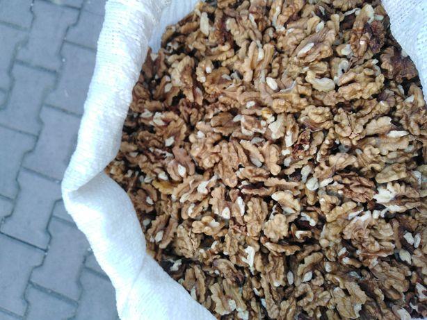 Miez de nuca pt Paște cozonaci prajituri la 30 lei kg cu transport