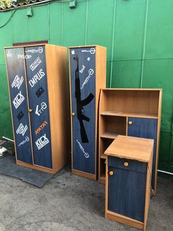 Продам спальные шкафы