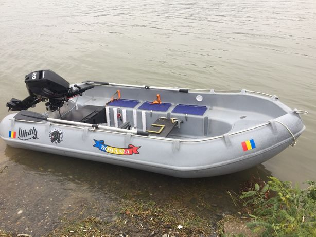 Barca Polyethylena Whaly 370