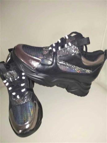 Sneakers dama, ultima pereche marimea 38