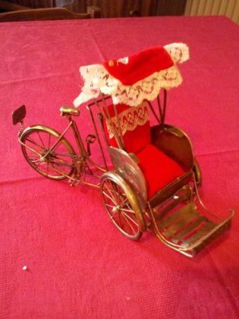 Посребрена рикша