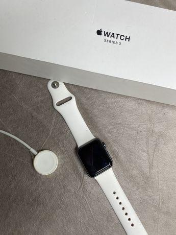 Срочно продам Apple Watch 3 серии
