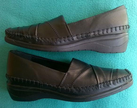 нови обувки Clarks и Ariane, номер 38