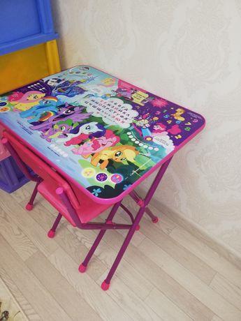 Продаётся детский стол со стульей