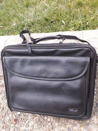 Кожена чанта за лаптоп Trust