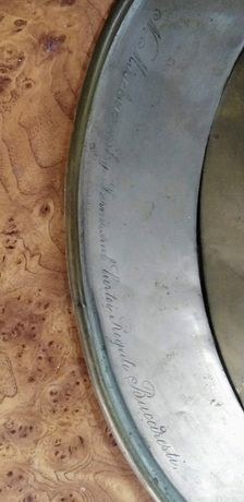 Instrument muzical corn inscripționat