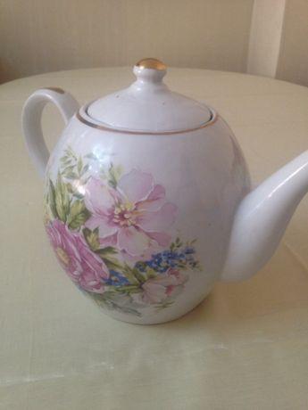 Большой фарфоровый чайник 3 л