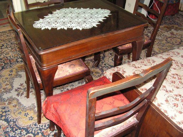 Vand masa lemn masiv extensibila cu 4 scaune tapitate cu huse