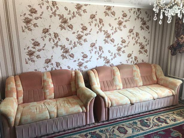 Продается диван с креслами 3.2.1