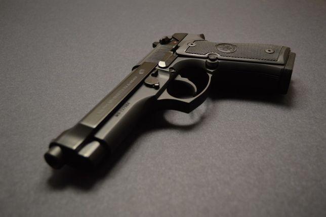 Pistol *SEMI AUTOMAT* Beretta V.2 (Cu Aer Comprimat CO2) Nou Airsoft