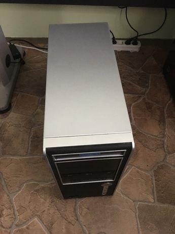 Компютър на части и цял- АМД, Kingston, Delux