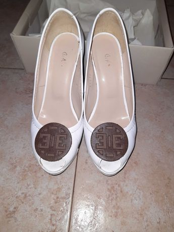 Бели обувки GiAnni с висока платформа от естествена кожа