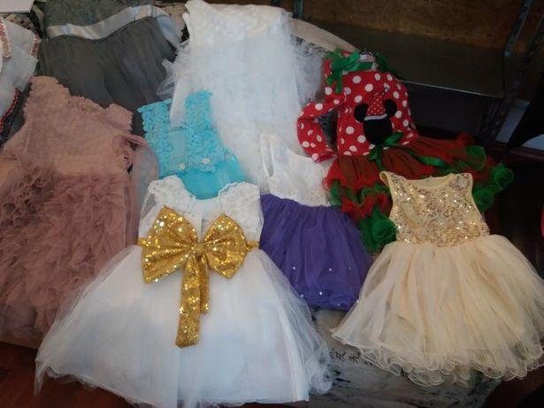 Rochite elegante pentru fetite