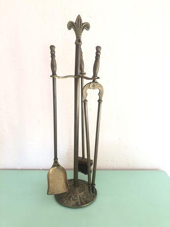 Suport francez cu 3 unelte de semineu,din bronz masiv
