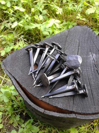 Ръчно ковани пирони