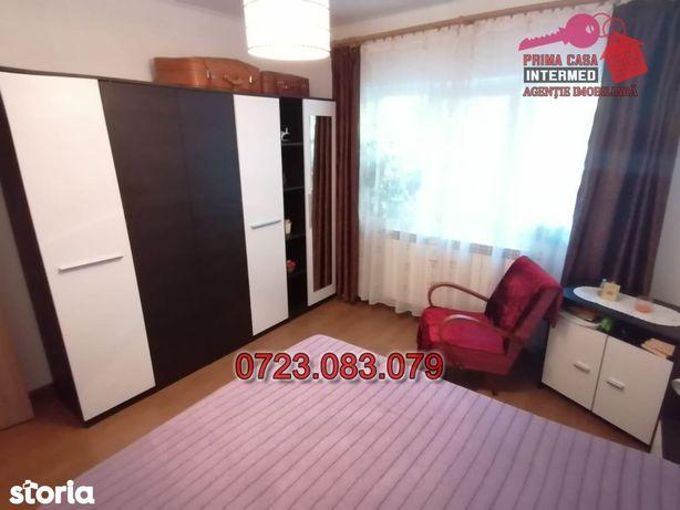 Apartament decomandat 2 camere Poarta 6