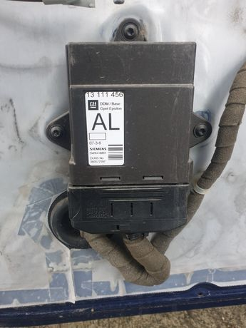 Calculator modul confort usa portiera Opel Vectra Signum 13111456 AL