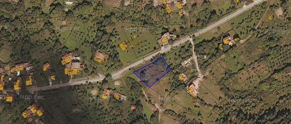Парцел близо до Гложенски манастир в с. Малък извор общ.Ябланица обл.
