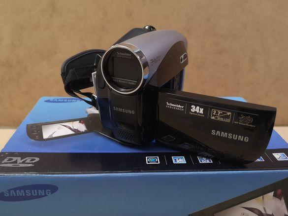 Продавам нова, неупотребявана, дигитална видеокамера Самсунг VP-DX100.