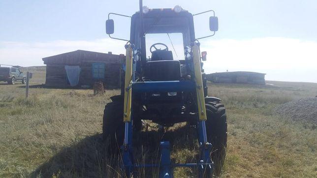 Трактор пресс подборщик погрузчик ковш пресс косилка