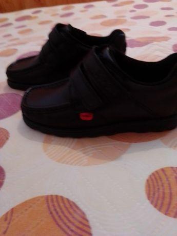 Нови кожени обувки