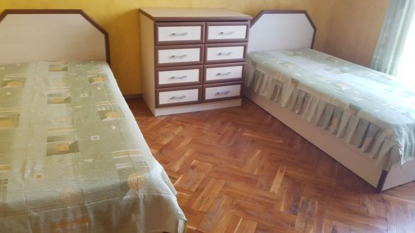 Шалтета за единични легла и пердета