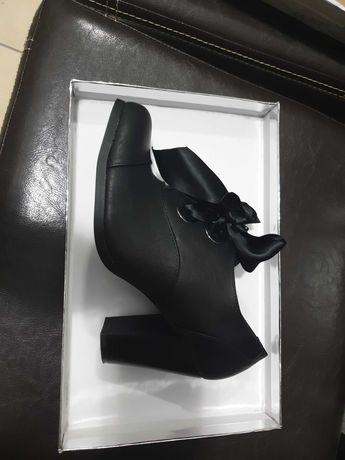 Продам обувь демисезонную, 38 размер недорого