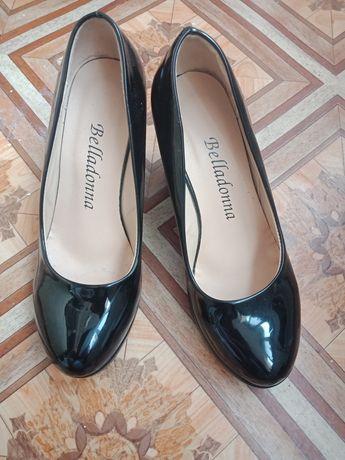 Туфли лаковые 34 размер