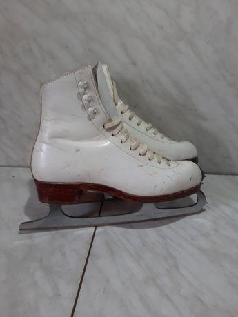 Patine gheata 1 profesionale patinaj artistic Riedell marime 35