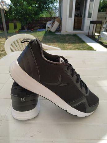 Pantofi sport culoare neagra