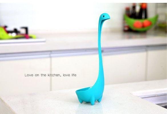 Черпак във формата на динозавър
