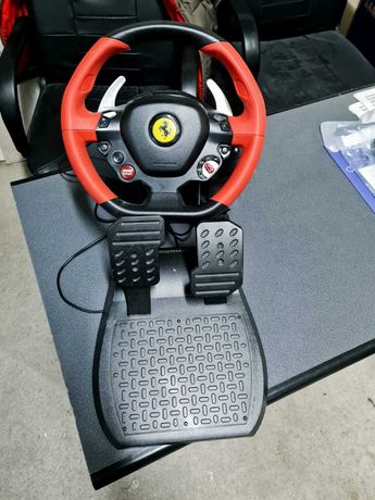 Volan Thrustmaster Ferrari 458  pentru Xbox One