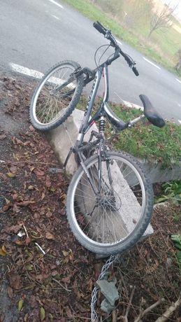 Vând bicicleta BMX
