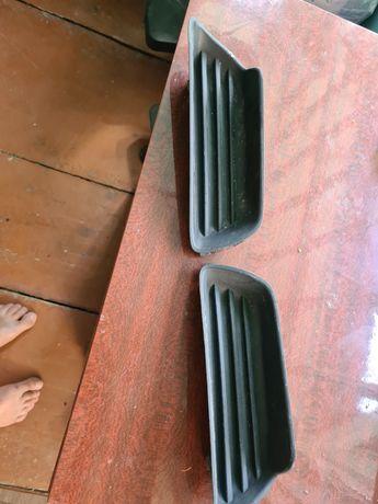 Продам заглушки на бампер под туманки от камни 40