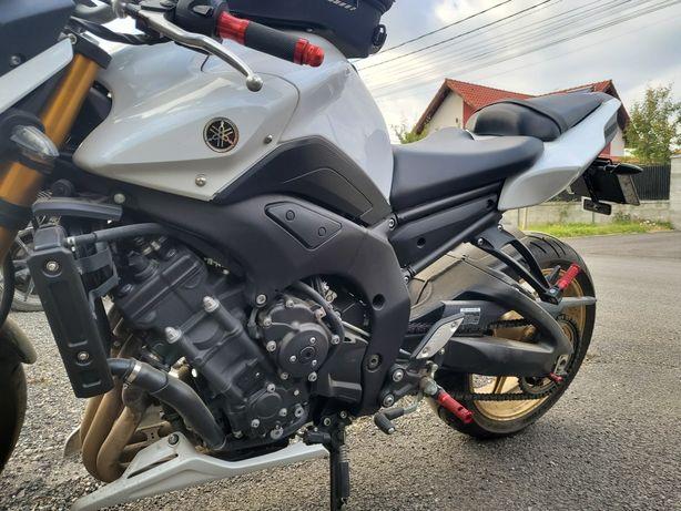 Yamaha FZ8 2012 impecabil