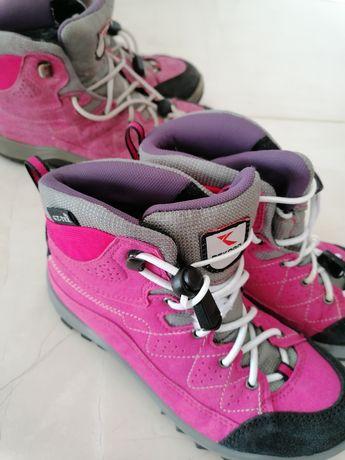 Bocanci fete roz