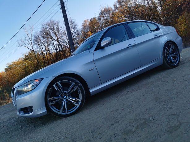 Bmw E90 * Facelift * Euro 5 * Piele * Navi * Xenon *