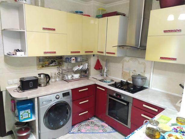 Продаётся срочно кухонные гарнитуры