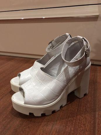 Бели естествена кожа кожени сандали обувки ток платформа