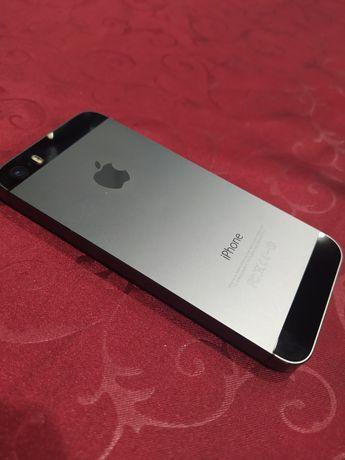 Продам Айфон 5s      .