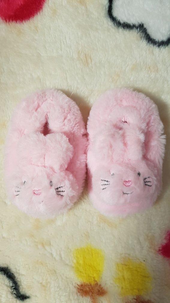Botoșei roz fetițe
