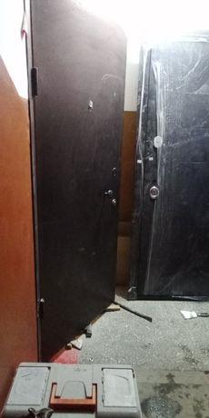 Установка   дверей ОТ 10000