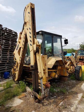 Dezmembrari Buldoexcavatoare MF Case 580 K