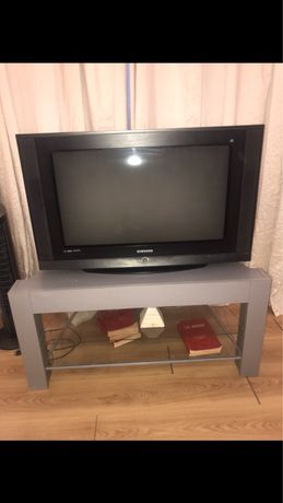 Televizor Samsung cu masa