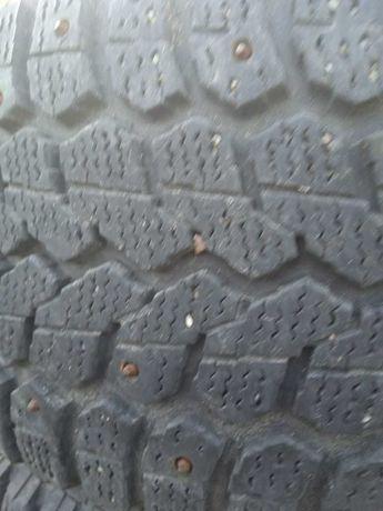 Продам 3  б/у шины зимние, шипованные. Amtel NordMaster R15