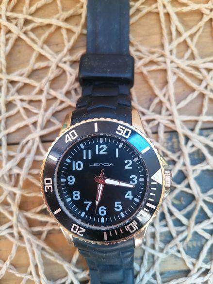Часовник Lencia черна верижка