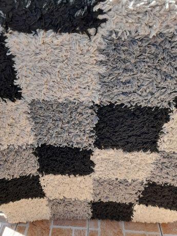 Продавам килим. Използван за кратко време
