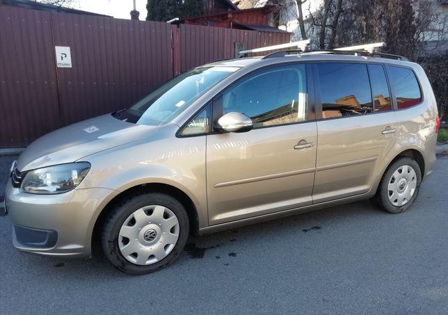 VW Touran 2011, 7 locuri, 140 CP, 2.0 diesel BlueMotion